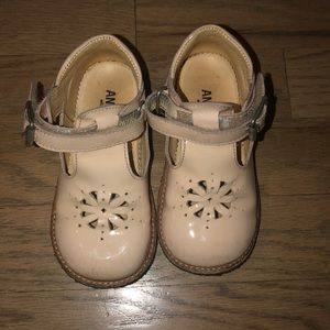 Angulus girls shoes precious great condition 23